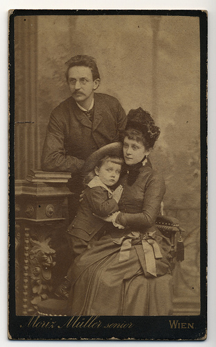 Family photo terrified child