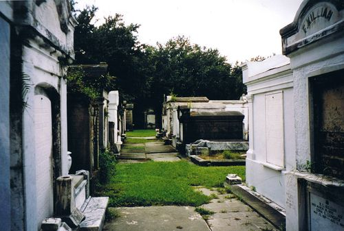New Orleans crypt row